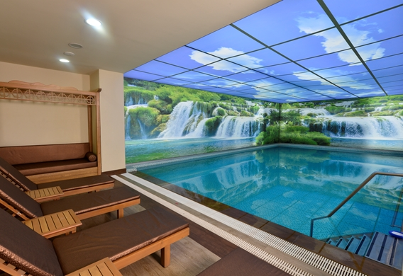 Indoor Therma POOL.jpg