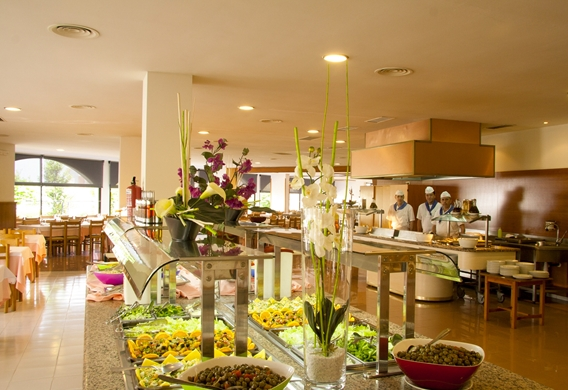 12 Hotel Gran Garbi Buffet_edited.jpg