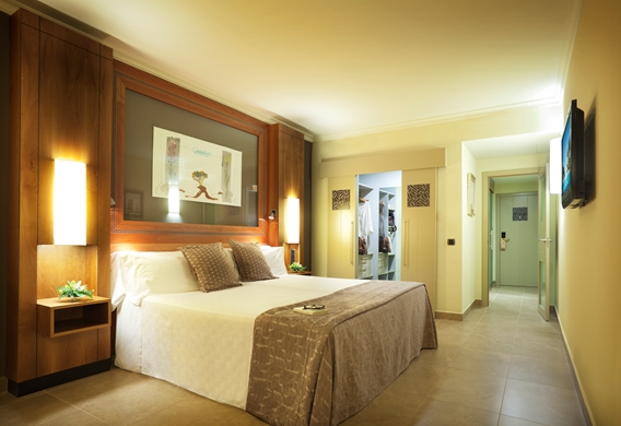 JDN 29 SUPERIOR DOUBLE ROOM.jpg