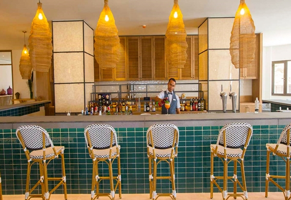 CORALLIUM-DUNANAR-LOBBY-BAR-BARRA_edited.jpg