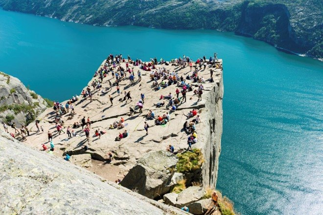 Preikestolen, Pulpit rock Norway.jpg